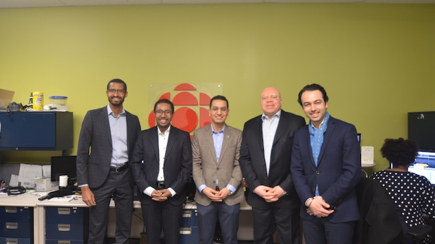 La délégation du Réseau des entrepreneurs professionnels africains (Repaf) dans les studios de Radio-Canada en Abitibi-Témiscamingue.