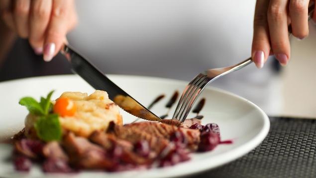 L'alimentation intuitive contribuerait, entre autres, à la perte de poids.