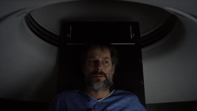 Le comédien Marc-André Coallier dans la série web Germain s'éteint.