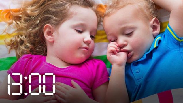 Chaque jour, vers 13 h, l'éducatrice en garderie Véronica Albachiaro réussit à endormir les 10 enfants de son groupe.