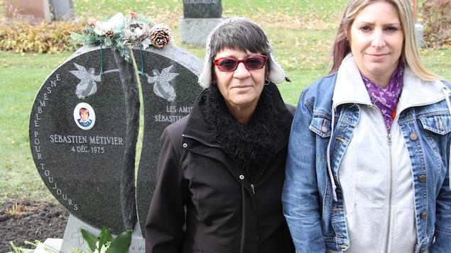 Christiane Sirois et Mélanie Métivier, la mère et la soeur de Sébastien Métivier.