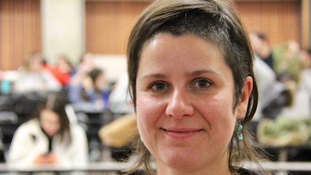 Véronique Leduc est professeure à l'Université du Québec à Montréal.