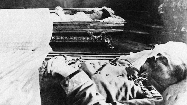 Les dépouilles de l'archiduc François-Ferdinand et de sa femme, Sophie Chotek