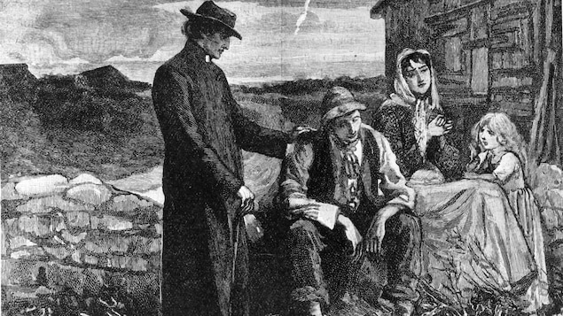 Illustration montrant un père catholique qui console une famille durant la grande famine irlandaise.