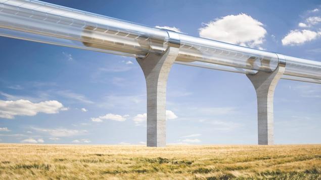 La capsule de l'Hyperloop atteint de grandes vitesses dans un environnement sous vide grâce à la propulsion par magnétisme.