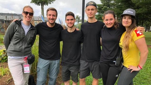 Un groupe de bénévoles au  Championnats du monde de vélo de montagne