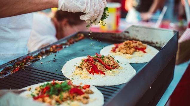 La cuisine de rue est de plus en plus populaire dans les pays occidentaux.