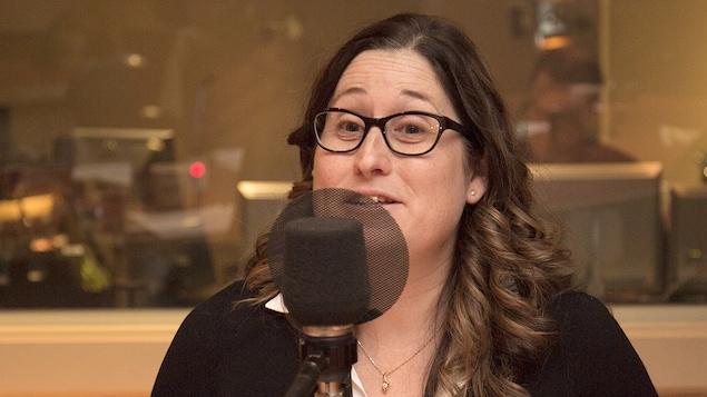Julie Provencher au studio 18 de Radio-Canada, à Montréal, le 29 janvier 2018