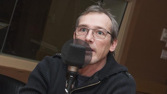 Louis Bélanger au micro de Catherine Perrin