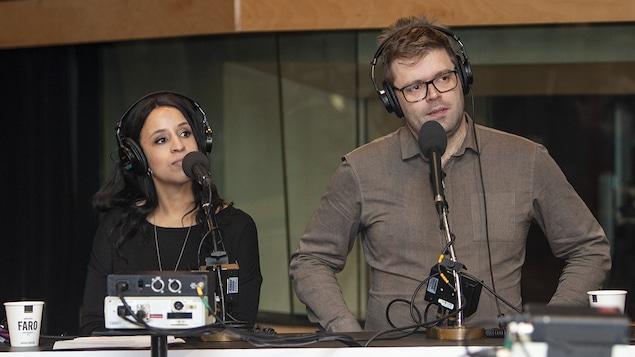 Bouchra Ouatik et Jeff Yates au micro de Catherine Perrin.