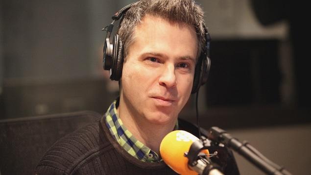 Philippe Girard au micro de Marie Grégoire