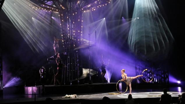 Un numéro du spectacle <i>Stone</i>, produit par le Cirque du Soleil en hommage à Luc Plamondon
