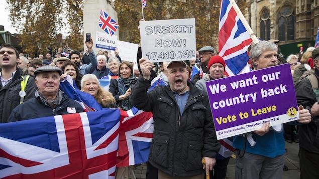 Des partisans du Brexit manifestent à Londres le 23 novembre dernier.