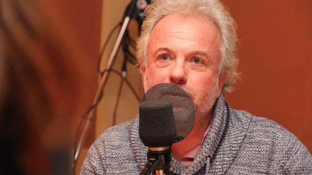 Frédéric Lenoir répond aux questions de Marie-Louise Arsenault pour le segment « Le monde vu par. »