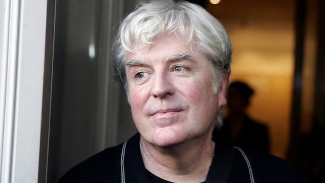 L'écrivain Gilles Leroy, en 2007, après qu'il eût remporté le prix Goncourt.