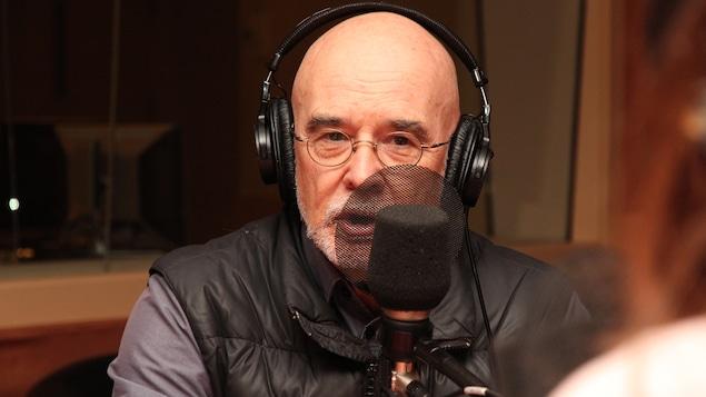Le médecin et auteur Jean Désy dans nos studios
