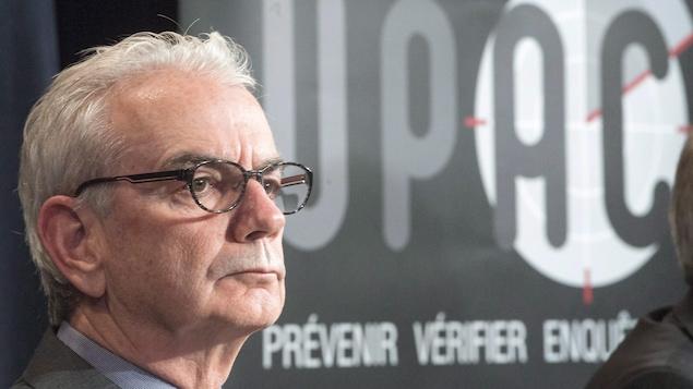 Robert Lafrenière, lors d'une conférence de presse, alors qu'il était encore commissaire de l'Unité permanente anticorruption.