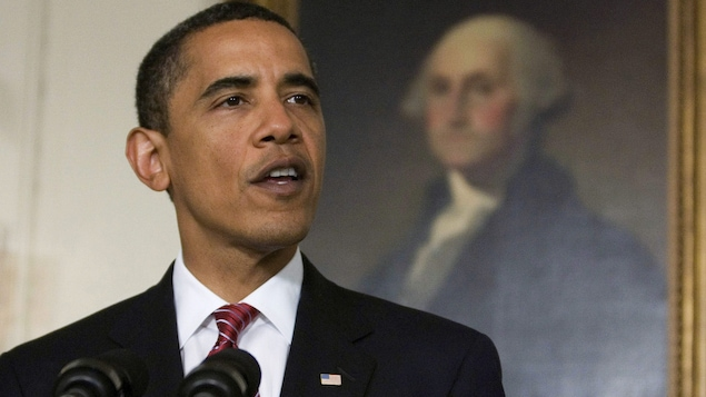 Barack Obama devant un tableau de George Washington