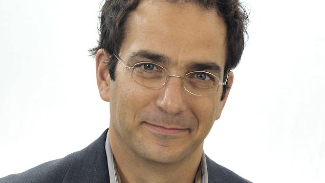 Georges Azzaria, professeur de propriété intellectuelle et de méthodologie à la Faculté de droit de l'Université Laval