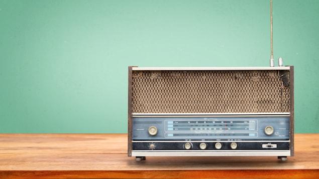 Un poste de radio rétro