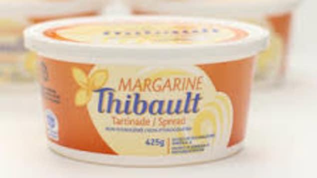 Un pot de margarine de marque Thibault