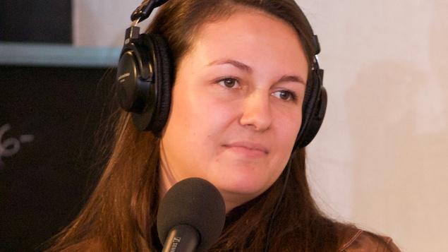 Sara Gaston, propriétaire du vignoble du Ruisseau en entrevue à On n'est pas sorti de l'auberge