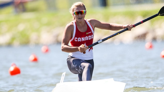 Sophia Jensen en action dans son canoë