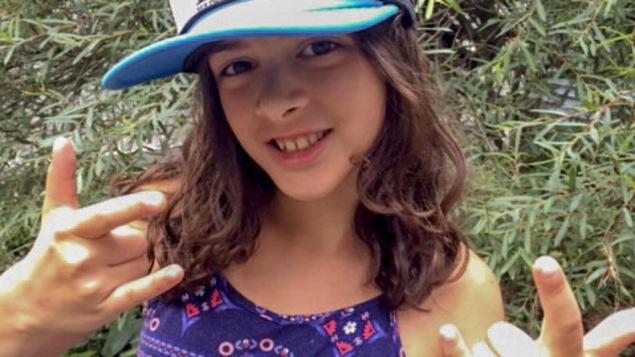 Azelle, 10 ans, aime beaucoup Christine and the Queens et les Dead Obies.