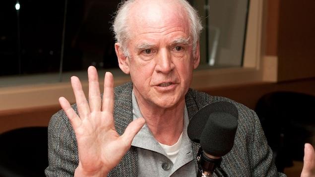 Charles Taylor fait volte-face sur l'interdiction du port de signes religieux