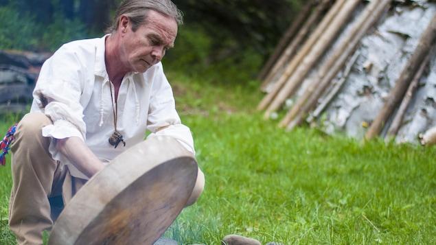 Tim Adams de la Nation Mimac de Gespeg