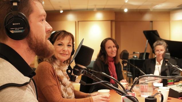 Nos invités, de gauche à droite, Jean-Sébastien Mercier, Manon Lépine, Marie-Julie Gagnon et Anne Pélouas.
