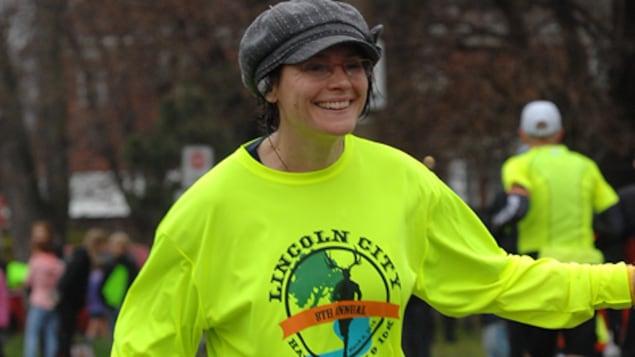 Michèle Laframboise en plein marathon de Mississauga en 2016.