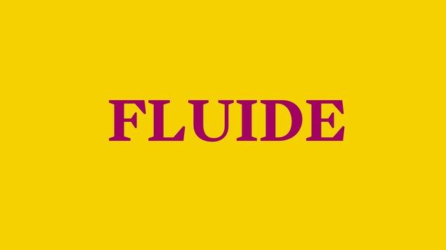 Fluide, inscription fuchsia sur fond jaune