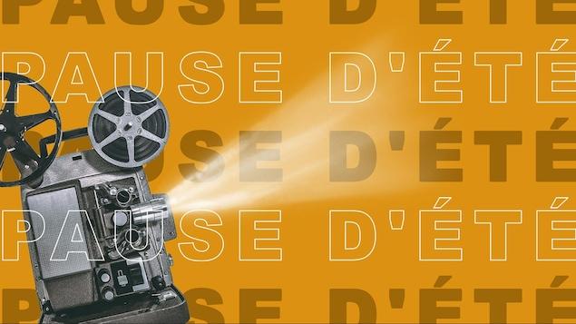 Projecteur de film sur fond jaune avec libellé Pause d'été