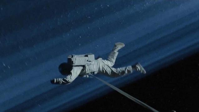 Un cosmonaute dans l'espace.