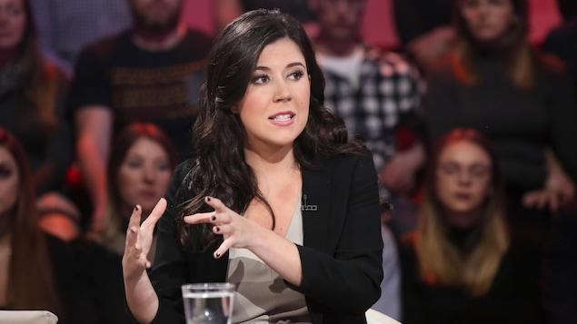 Elle a quitté le Parti québécois.