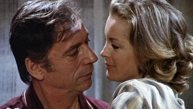 Un homme et une femme sur le point de s'embrasser