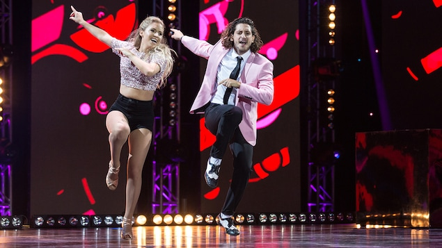 Claudia Bouvette que Lou-Pascal Tremblaydansent un jive.