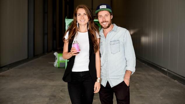Julie Poitras-Saulnier et David Côté de l'entreprise Loop.
