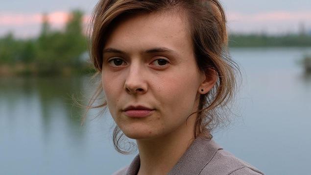 Alexa-Jeanne Dubé dans le rôle de Zoé Forest