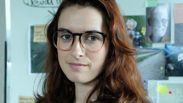 Daphnée Côté-Hallé dans le rôle de P. Pineau