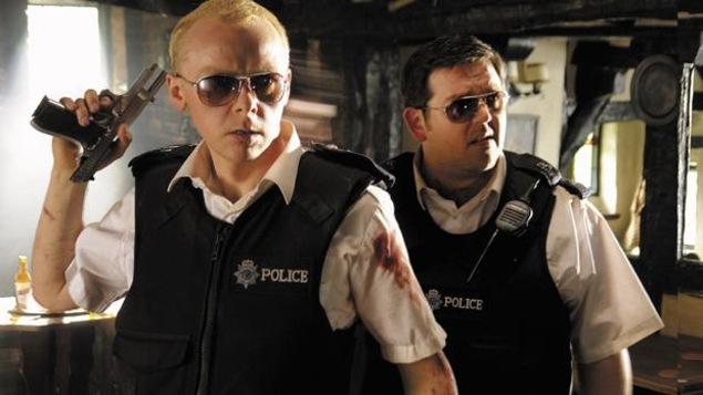 Les deux policiers en action