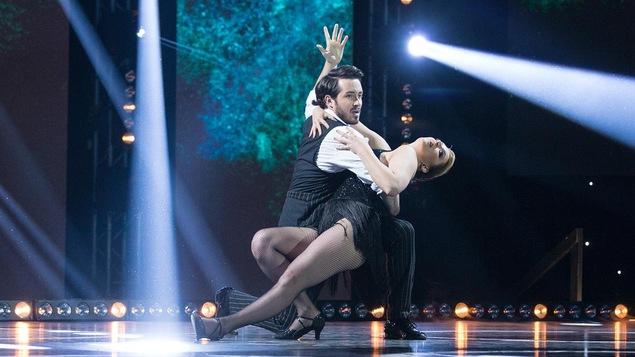 Marie-Ève Perron et Bryan Audet dansent un tango.