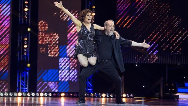 Martine Francke et Martin Héroux dansent un swing.