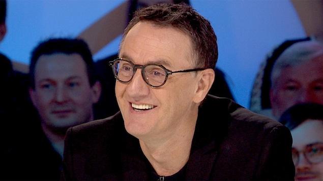 René Richard Cyr sur le plateau des Enfants de la télé.