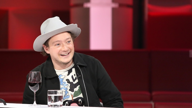 Pierre-Philippe Côté sourit.
