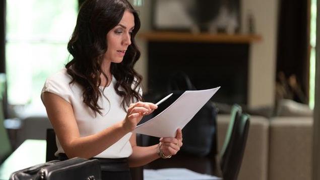 Ariane Beaumont (Mélissa Désormeaux-Poulin) dans la série Ruptures.