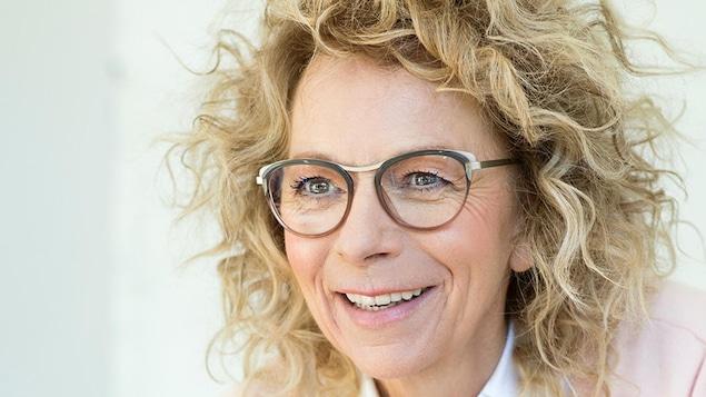 La scénariste d'Unité 9 et Toute la vie, Danielle Trottier.