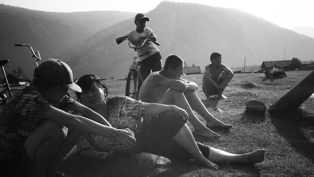 Photo prise sur le tournage du documentaire Sur la grande terre d'Alexandre Lefebvre.