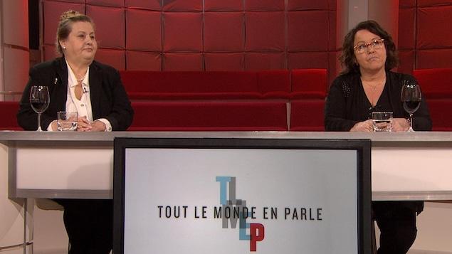 Les deux femmes sur le plateau de Tout le monde en parle.